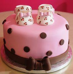 Cupcake Lovers in Paris: Baby Shower (Girl) Shoe Cake !