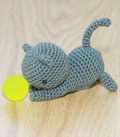 Download FREE cat pattern here: http://www.lovecrochet.com/independent-designers/?designer_name=43741&a_aid=de0aeb25 ❤️ #littlebearcrochets #amigurumi