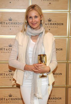 Kelly Rutherford Photos - Actress Kelly Rutherford attends the Moet & Chandon Suite at USTA Billie Jean King National Tennis Center on September 2013 in New York City. - The Moet & Chandon Suite At The 2013 US Open - Day 10 Classic Chic, Soft Classic, Minimal Classic, Kelly Rutherford Style, Billie Jean King, Moet Chandon, Opening Day, High Class, Casual Fall