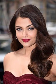 Aishwarya Rai Bachchan's Bordeaux lip perfection.