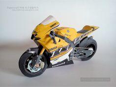 Papercraft Yamaha Yzr M1 Modelo De Papel
