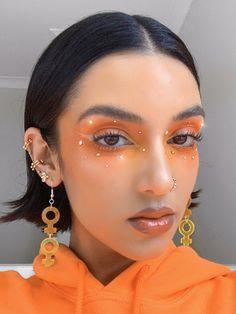 Jewel Makeup, Edgy Makeup, Eye Makeup Art, Skin Makeup, Makeup Inspo, Makeup Inspiration, Bold Eye Makeup, Unique Makeup, Creative Makeup Looks