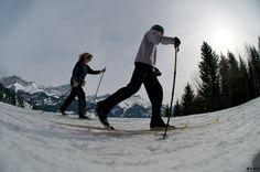 Villars ski de fond © STAUB www. Alpine Ski Resort, Destinations, Cross Country Skiing, Winter Landscape, Winter Activities, Winter Sports, Go Green, Climate Change, Mount Everest