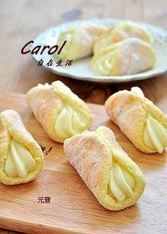 Carol 自在生活 : 元寶。Custard sponge cake ( 附實作影片 ) Sweet Rice Cake Recipe, Soft Bread Recipe, Rice Cake Recipes, Custard Recipes, Sponge Cake Recipes, Cheesecake Recipes, Baking Recipes, Dessert Recipes, Japanese Jiggly Cheesecake Recipe