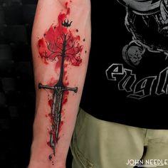 Tolkien Tattoo, Lotr Tattoo, Sword Tattoo, Dagger Tattoo, Ring Tattoos, New Tattoos, Body Art Tattoos, Tattoo Drawings, Sleeve Tattoos