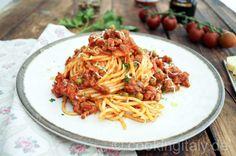 Spaghetti al Ragu di Salsiccia - Cooking Italy - Food Blog