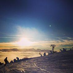 January skiing: sun, sun, and more sun. @snowseekers #iamasnowseeker #mountwashington