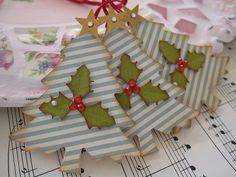 Vintage Blue Christmas Trees by vsroses.com, via Flickr