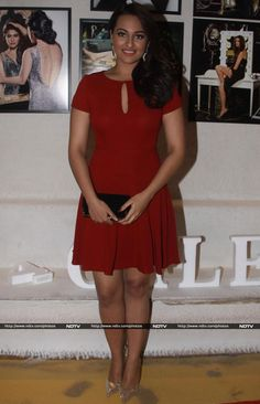 Pics - Sonakshi Sinha spelled style in a short red dress by Diane Von Furstenberg. http://movies.ndtv.com/photos/lights-camera-calendar-priyanka-sonakshi-srk-16751