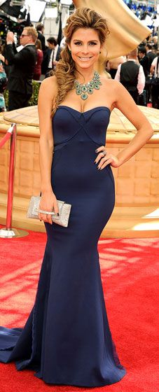Maria Menounos rocks the 2013 Emmys Awards in a navy Zac Posen dress