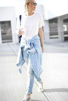 Tシャツ デニム シンプル スニーカー 腰巻き