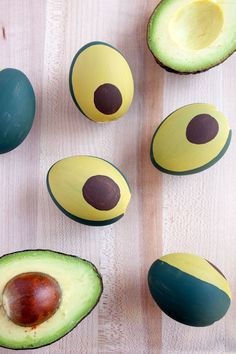 Hi Friends! If you are looking for a new and creative way to decorate your Easter Eggs this year, then this is for you.  These are my favorite and the most cleverly decorated eggs that I have found. The Best DIY Easter Eggs Around   These Avocado Easter Eggs by  Paint the Gown Red are …