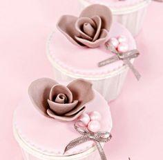 Soft pink Party cupcakes-birthday -dogumgunu pastası- butik pasta, şeker hamuru, insan figürü,yetişkinlere, kadınlara, erkeklere, çocuklara, doğum günü, doğumgünü, yaş pasta, ankara, doğal, katkısız, sağlıklı, kişiyeözeltasarım, kişiyeözel, tasarım /birthday cake-party cake-