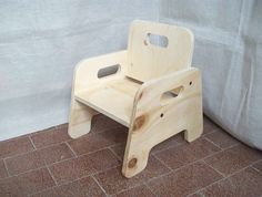 Weaning table and chair to be used as soon as baby is able for Legno progetta mobili per apprendimento precoce