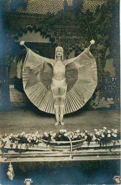1920's Parisian showgirl.