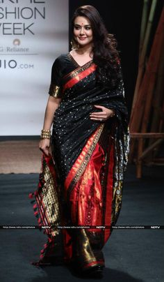 Lakme Fashion Week: Preity Zinta's Stunning 9 Yards Story,just wow Indian Dresses, Indian Outfits, Anarkali, Churidar, Banarasi Lehenga, Silk Saree Blouse Designs, Saree Trends, Stylish Sarees, Saree Look