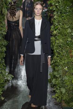 Alisa Ahmann au défilé Valentino haute couture automne-hiver 2014-2015