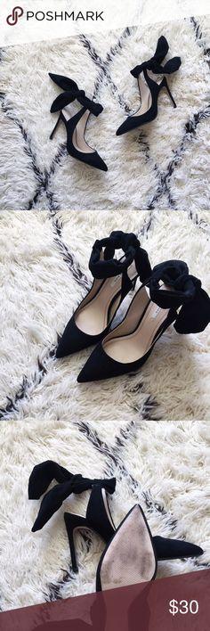 "zara bow slingback heel super feminine slingback heels from zara with a pretty bow tie detail. 4"" heel. tie closure. worn 1x, excellent condition. Zara Shoes Heels"