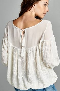 Love the vintage flow of this top