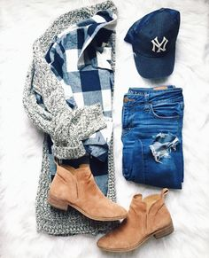 Comfy and casual outfit with cozy layers