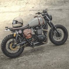 33 Cool Modification Triumph Scrambler for Big Motorcycle Lovers Cafe Bike, Cafe Racer Bikes, Cafe Racer Motorcycle, Moto Bike, Motorcycle Design, Motorcycle Style, Mad Max Motorcycle, Tracker Motorcycle, Chopper Motorcycle