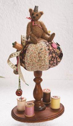 teddy on brown and pink pincushion | Marjan Balke | TEDDY BEARS | Pinterest