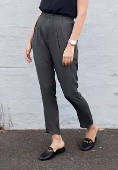 Street Chic, Street Style, Cigarette Trousers, Parachute Pants, Charcoal, Shopping, Collection, Fashion, Moda