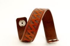 Carved Leather Bracelet - vegetable tanned chromfree leather - handcarved - push buton closure - handmade in Vienna Euro Hand Carved, Carving, Bracelets, Leather, Handmade, Etsy, Jewelry, Hand Made, Jewlery