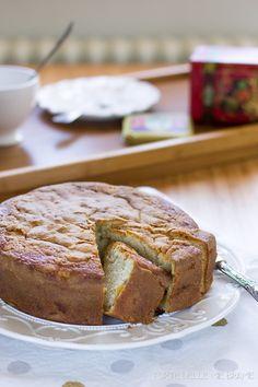 torta soffice pesche e panna montata - cream cake with peaches