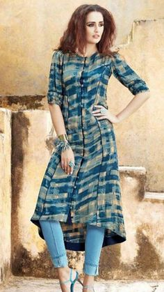 Love this outfit. Looking for pattern! Kurta Designs Women, Kurti Neck Designs, Kurti Designs Party Wear, Frock Fashion, Women's Fashion Dresses, Printed Kurti Designs, Casual Indian Fashion, Fancy Kurti, Kurti Embroidery Design