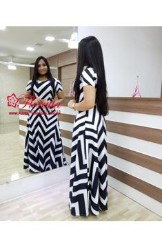 Floratta Modas - Moda Evangélica - A Loja da Mulher Virtuosa Straight Dress, Striped Pants, Blouse Designs, Evening Gowns, Fashion Dresses, My Style, Womens Fashion, Fashion Design, Clothes