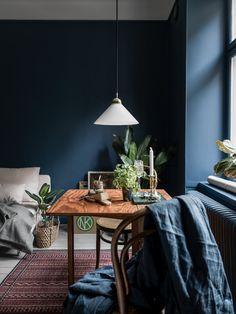 blue livingroom in Scandinavian style, decor inspiration and design