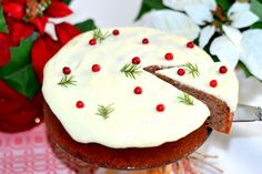 Soft gingerbread with lingon & creamcheese frosting Christmas Food Treats, Christmas Sweets, Christmas Baking, Christmas Cakes, Candy Recipes, Baking Recipes, Dessert Recipes, Yummy Treats, Sweet Treats