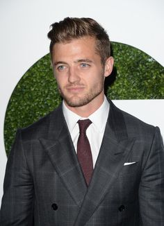 "Robbie Rogers Photos - BVLGARI ""Decades Of Glamour"" Oscar Party Hosted By Naomi Watts - Arrivals - Zimbio"