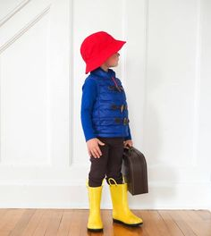 DIY Costumes Inspired By Favorite Book Characters - The Chirping Moms, DIY paddington Bear costume, dress like a book character Pete The Cat Costume, Bear Costume, Costume Dress, Easy Diy Costumes, Cat Costumes, Book Character Costumes, Book Characters, Madeline Costume, Yellow Rain Boots
