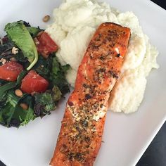 """""""A simple summer time @sizzlefishfit salmon dinner from @cocos_paleo_kitchen is on the menu tonight! Valerie broiled a piece of our Sockeye Salmon with Greek seasoning and @tinstarfoods brown butter and served it over mashed cauliflower with a wilted greens salad! A perfect meal to serve for one or all of your weekend company!  _______________________________ ‼️ You can find all of our perfectly portioned fish and shellfish on our website: www.sizzlefish.com‼️ ______________________________"""