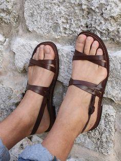 TOMA DE CORRIENTE! -5 EUROS de los hombres zapatos, sandalias-sandalias de los hombres, hechos a mano, hechas a mano sandalias, sandalias de cuero marrón zapatos de piel, Mod. Ulises de SandaliShop en Etsy https://www.etsy.com/mx/listing/270278281/toma-de-corriente-5-euros-de-los-hombres