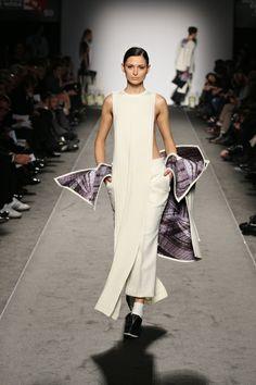 Accademia di Costume e di Moda Talents 2014 Giulia Goretti De'Flamini   WEISS #fashion #womenswear #white #neoprene #wool #print
