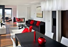 muebles blanco,rojo y negro, ese es el color que le di a mi sala y me encanta