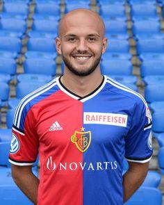 Nome: Arlind Ajeti Età: 21 anni Club attuale: Svincolato 1893 Posizione: Difensore centrale e Terzino destro (riserva)