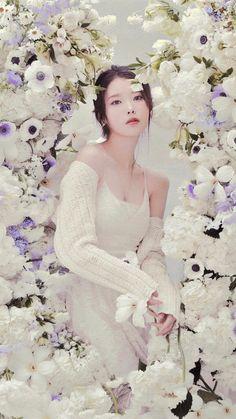 Eun Ji, Korean Fashion Dress, Iu Fashion, Watercolor Wallpaper Iphone, Taehyung Photoshoot, Cute Korean Girl, Autumn Photography, Cosmic Girls, Princesas Disney
