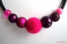 collier perles roses/violettes