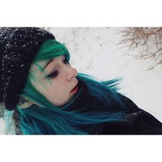 Not the greatest picture of my face but the snow and everything was so pretty T-T took this with my fancy camera btw so You can see like every detail o_o tis insane