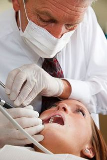 What Thyroid Patients Need to Know for A Dentist Visit