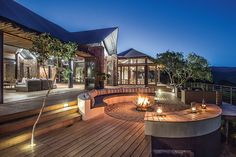 Settlers Drift safari lodge in Kariega has 9 luxury tented suites each with bedroom, living area, full bathroom and private viewing deck