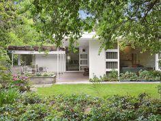 7 Wyeena Cl, Wahroonga NSW • Modernist Australia