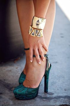 Glamorous Gold: Accessories