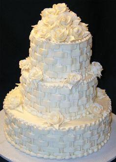 Lovely cake! Love the basket weave...
