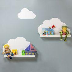 Wolkenregale fürs Kinderzimmer - so einfach uns schön. Mit IKEA Mosslanda Bilderleisten und dem passenden Limmaland Stickerset