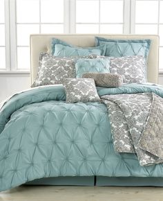 Blue Comforter Sets - check various designs and colors on Pretty Home http://www.prettyhome.org/blue-comforter-sets/